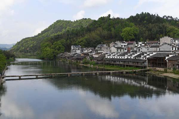 江西景德镇:春日雨后 山水如画