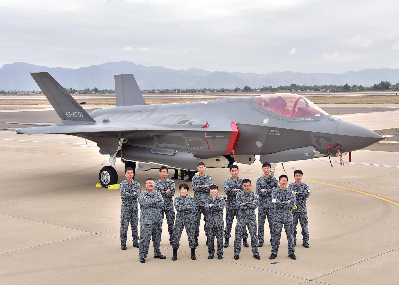美国比日本还着急!美日空前力量搜索F-35残骸