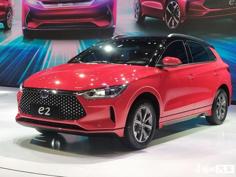 2019上海车展:比亚迪全新两厢轿车e2正式亮相