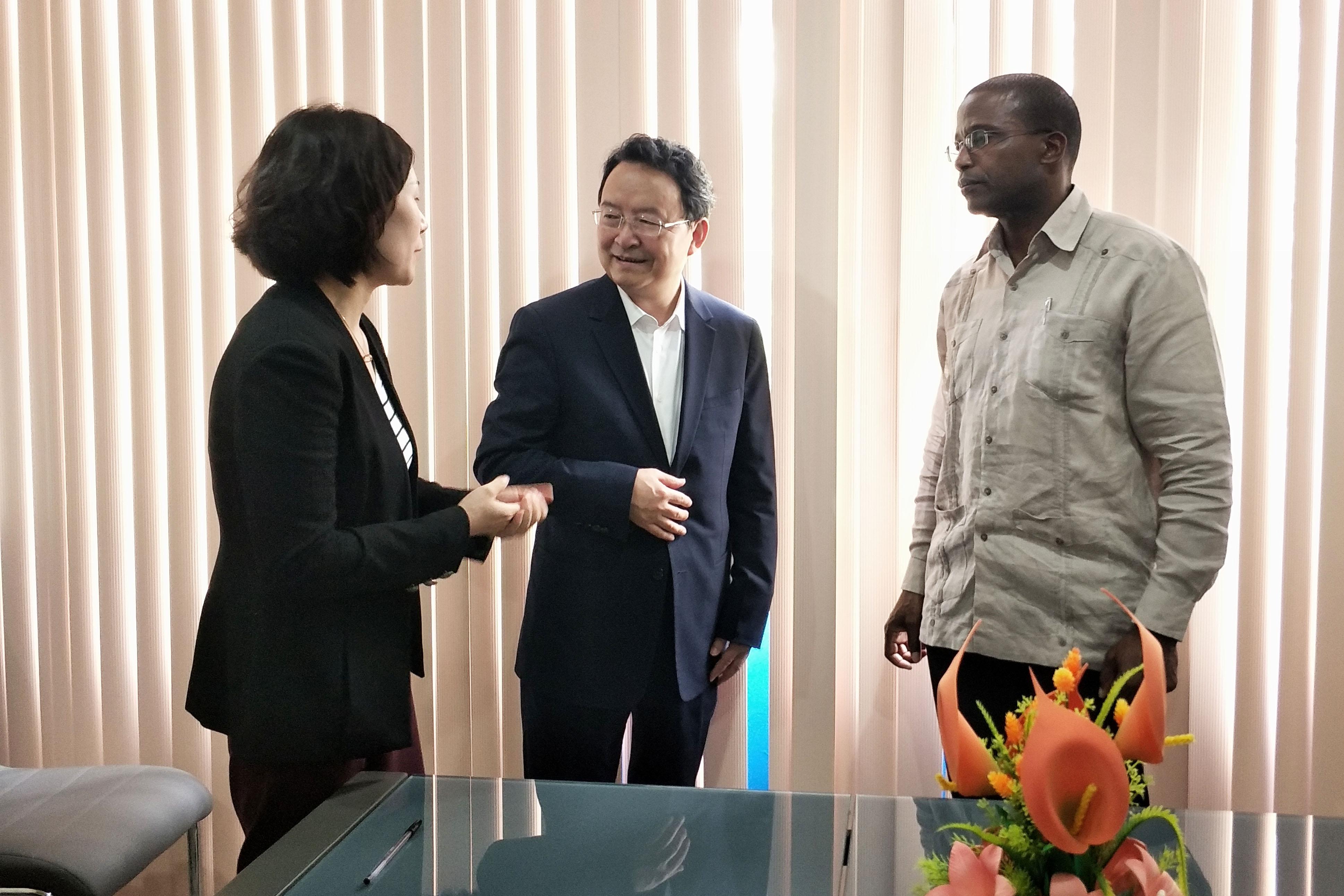 陕西贸促会薛华会见古巴贸易商会副主席鲁本