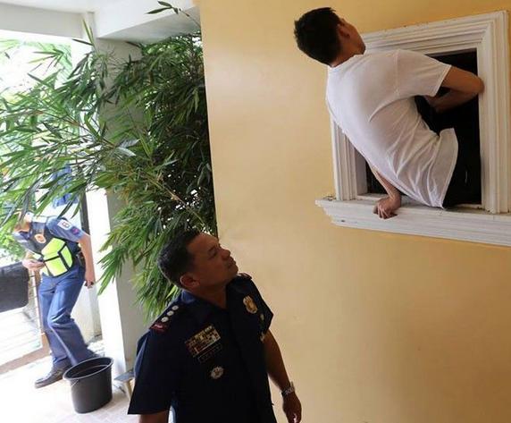 菲律賓警方解救10名被綁中國男子 有人已被關7天