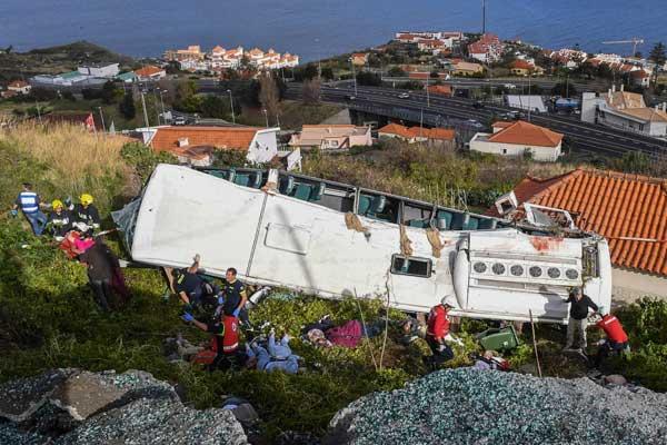 葡萄牙旅游大巴翻车致至少28死 均为德国人