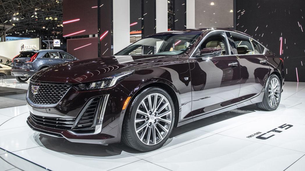 凯迪拉克运动型轿车CT5首次亮相纽约车展