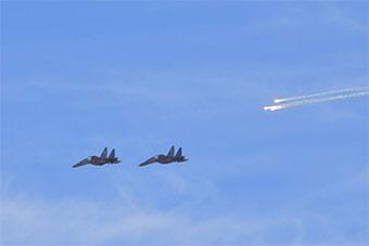 阿尔及利亚再举行大规模演习 战斗机狂轰滥炸