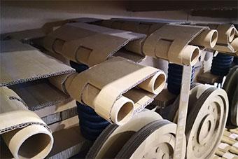 一吨纸板打造1:1梅卡瓦主战坦克亮相