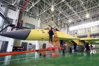 歼-11D原型机建造画面首曝光