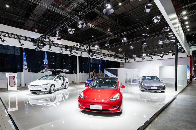 特斯拉Model 3升级版亮相上海车展 起售价37.7万元