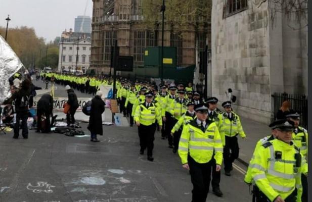 脫歐沒搞定 英國又攤上事:300多人在抗議中被捕