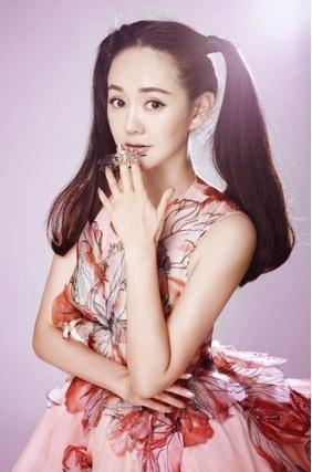 出道17年不火,丈夫是张歆艺前夫,国家一级演员,今与丈夫租房住