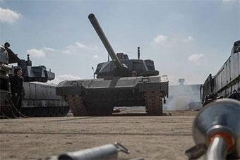 T14坦克现身莫斯科城郊 将参加胜利日阅兵彩排