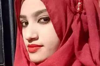 19岁少女因为控告校长性骚扰被活活烧死