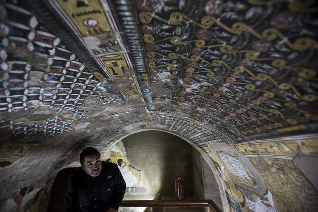 埃及卢克索古城遗址新发现一座法老墓葬 可追溯至第十八王朝