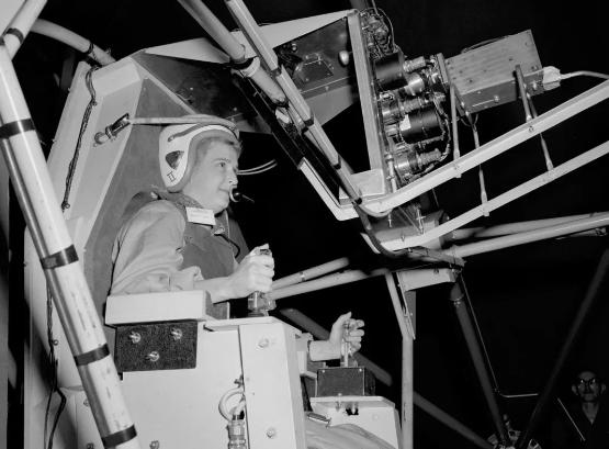 美国第一位女宇航员候选人去世 享年88岁