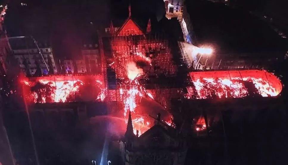 巴黎圣母院救火行动中,一个中国品牌被赞