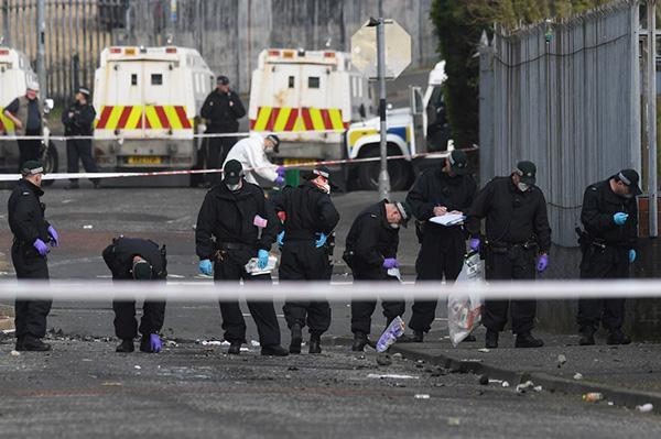 脱欧阴影笼罩北爱和平协议:女记者在骚乱中遇难,两凶手落网