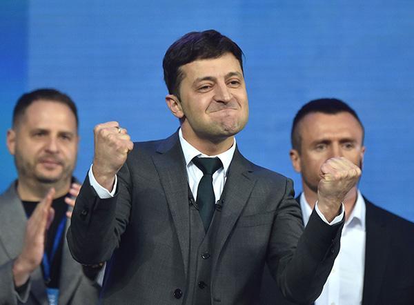 乌克兰选民:将大选视为赌博,但宁可投票给喜剧明星候选人