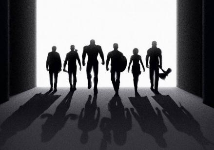 《复联4》最新艺术海报曝光 倒影暗藏玄机