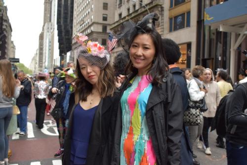 """美媒:纽约复活节""""帽子大游行"""" 华人造型吸睛"""