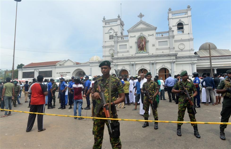 斯里兰卡爆炸已致215人遇难 全国宵禁中断社交媒体和通信