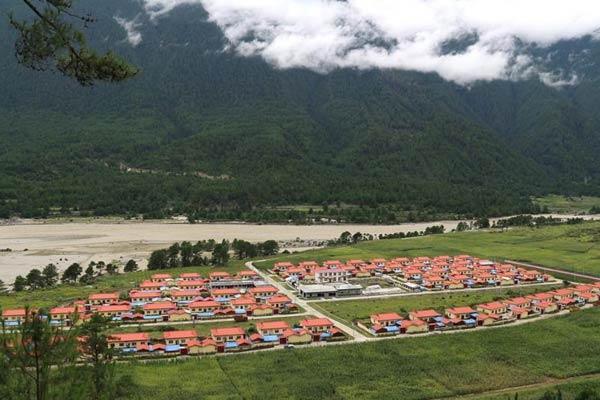 西藏边境村庄布巴的新生