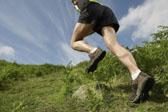马拉松中的坡跑训练技巧