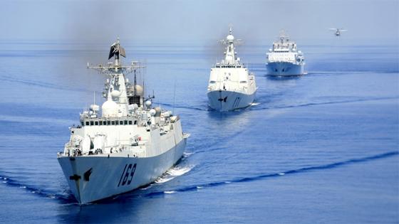 """外媒:多国海军参加中国青岛阅舰""""盛宴"""""""