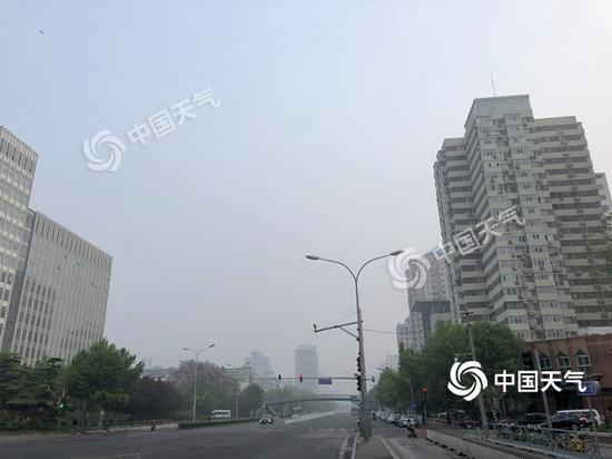 北京今天28℃明天20℃ 明天小雨现身气温降