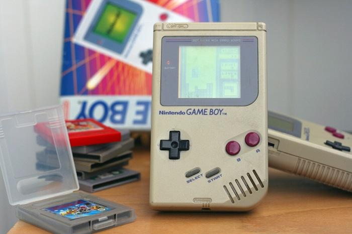 ChrisMaltby庆祝日版Game Boy推出30周年