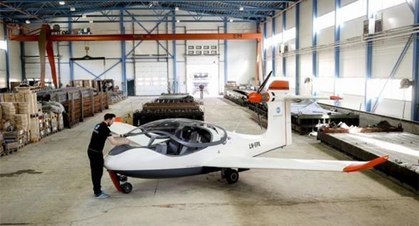 P2 Xcursion原型电动两栖飞机挪威完成首轮试飞
