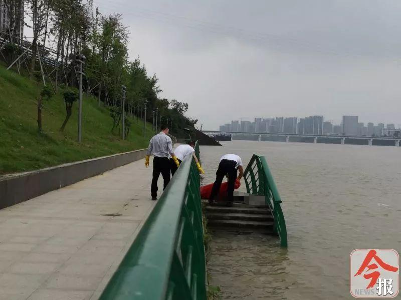 刚刚,广西柳州柳江河浮起一溺水少年,很遗憾,奇迹没有发生
