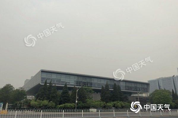 北京今有小雨北风大 最高仅19℃