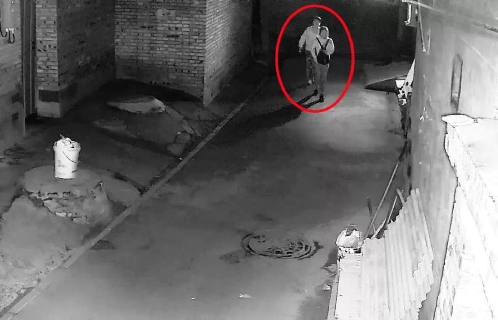 北京一小伙在女友生日宴上被抓,18小时前他做了这事儿……