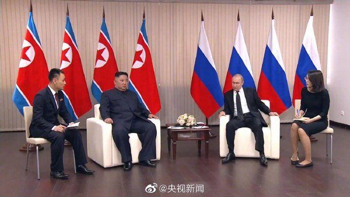 普京与金正恩进行一对一闭门会谈