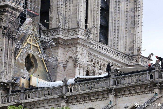 降雨来临,巴黎圣母院紧急安装防雨装置防止二次破坏