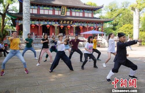 越来越多外国留学生选择中国 这些亮点吸引人!