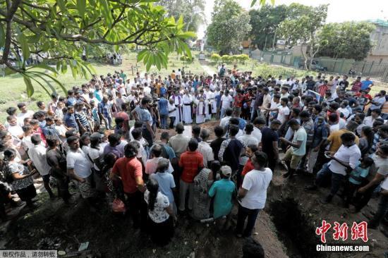 斯里兰卡爆炸案已致359死 或要求国际货?#19968;?#37329;援助