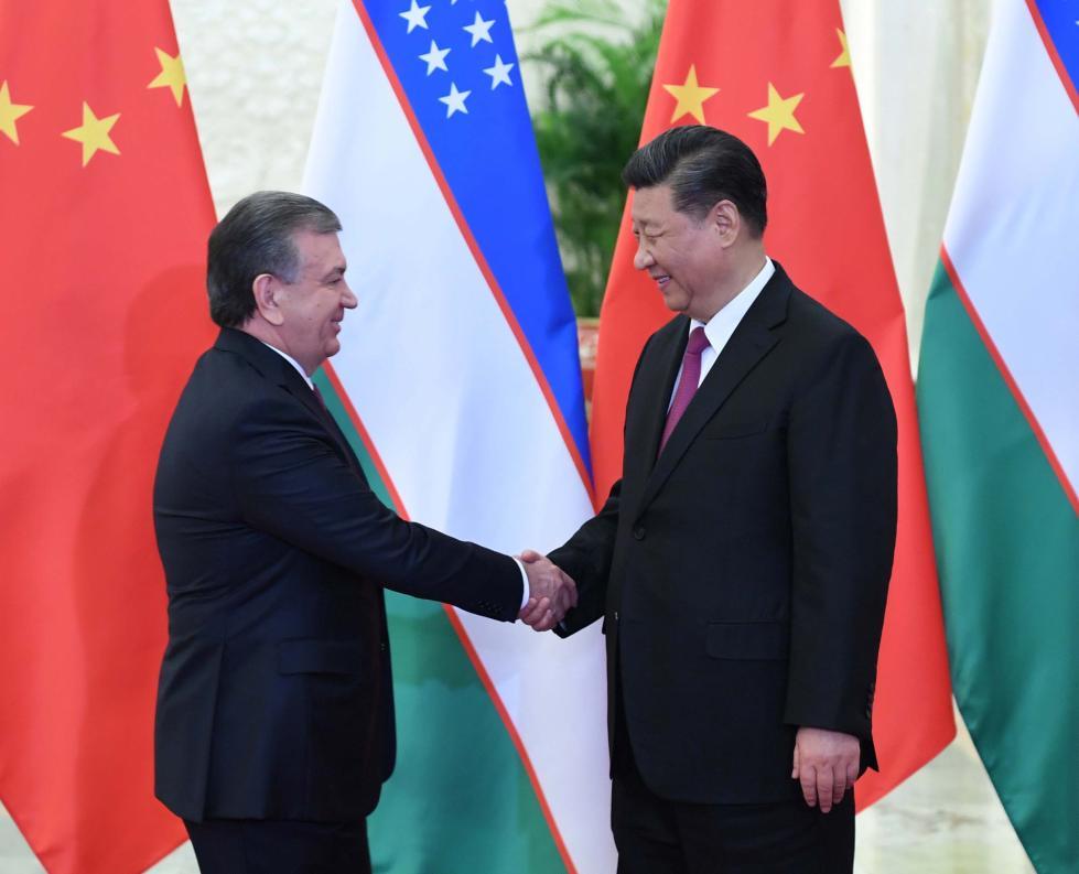习近平会见乌兹别克斯坦总统