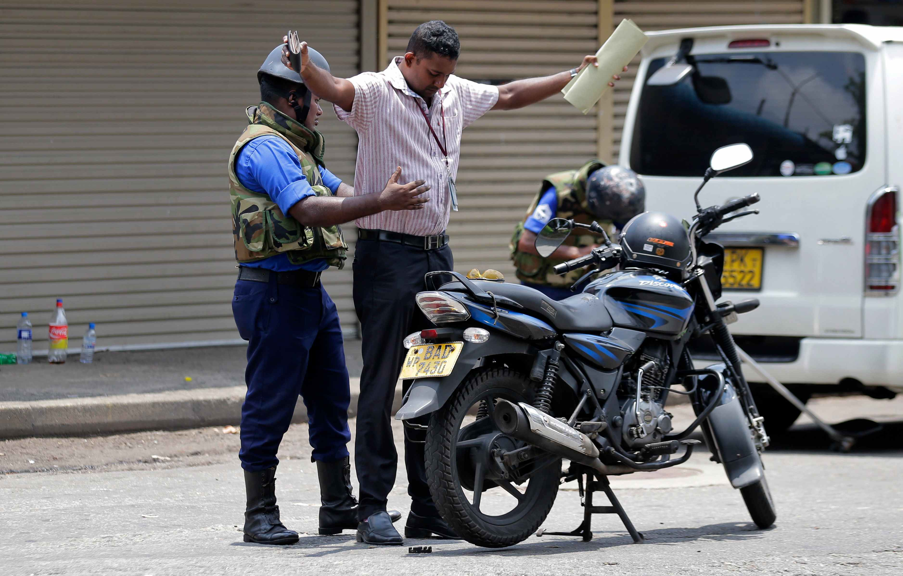 斯里兰卡爆炸案已致350多人遇难 军警在街头进行严格安检