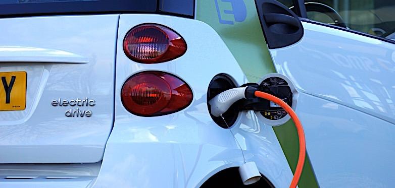 谷歌地图将实时显示电动汽车充电站使用信息