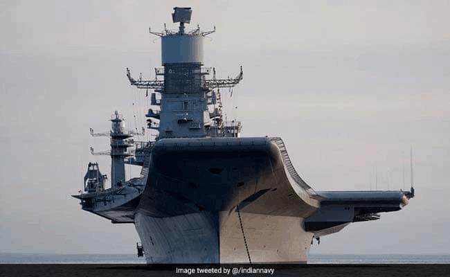 印度唯一航母今晨起火!一救火军官遇难