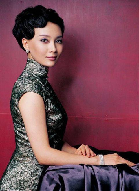 被誉为旗袍女神,出道至今零绯闻,时隔8年与老干部靳东再合作