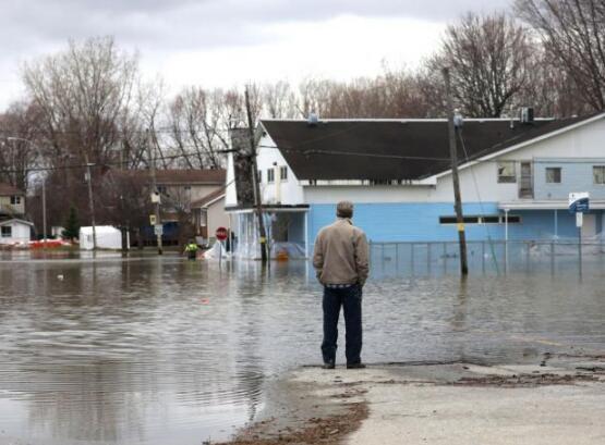 加拿大首都宣布紧急状态 市长请求军队协助应对洪水