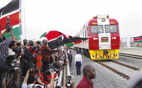 """""""非洲版高铁"""":凝固友谊 带来希望"""