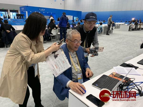 """""""乡音无改鬓毛衰"""":哈萨克斯坦华裔老记者讲述异国""""传统中国味"""""""