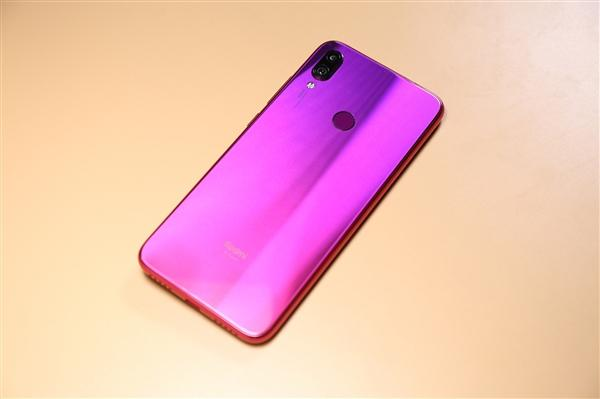 中国手机品牌在印度市场份额创新高:小米第一