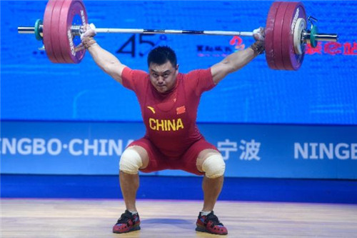举重锦标赛:将中国队的两金的总成绩