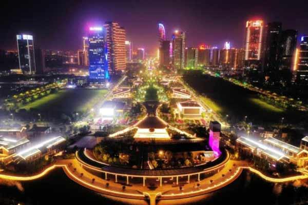 俯瞰杭州钱塘江两岸,灯火璀璨