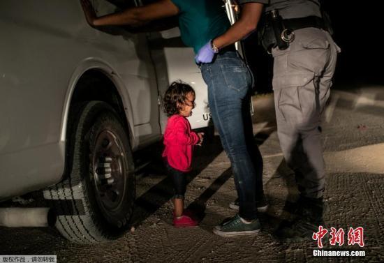 防止利用儿童偷渡 美国边境局将采集儿童指纹信息