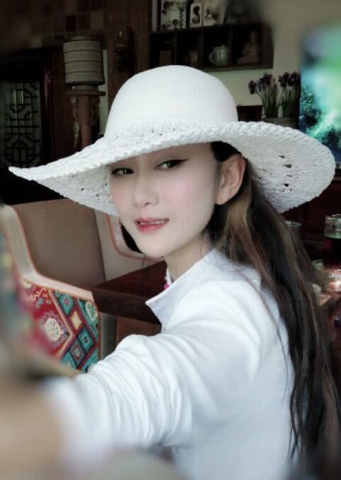 杨丽萍穿起时尚风太惊艳,完美的人可以这样驾驭人生,令人不淡定