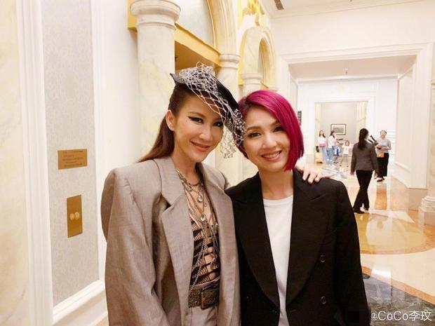 44岁李玟合影杨千嬅张杰李晨 妆容魅惑保养得太好